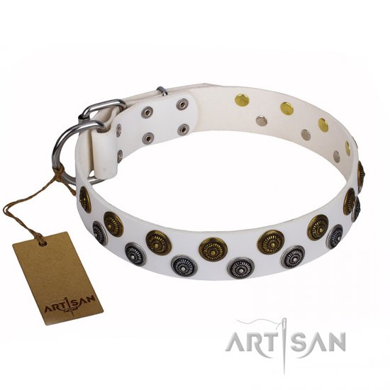 """Snowflake"" FDT Artisan White Leather Dog Collar with Symmetrically Arranged Studs - Click Image to Close"