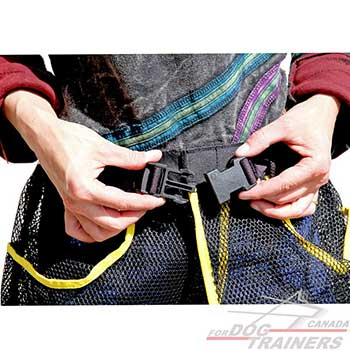 Reliable quick release buckle on nylon dog training skirt