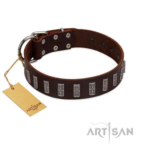 Top notch full grain genuine leather dog collar with durable D-ring