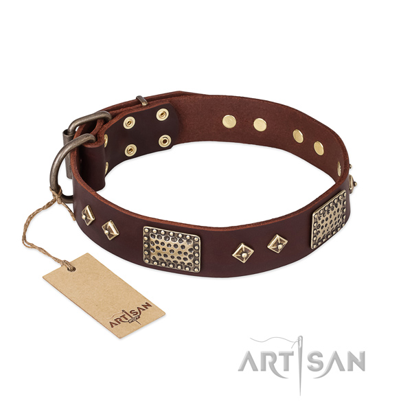 Adjustable full grain leather dog collar for handy use