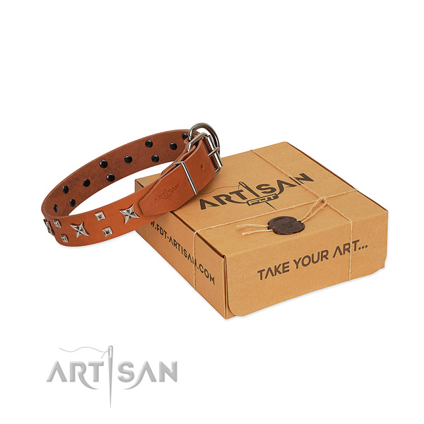 Best quality natural leather dog collar with studs for walking