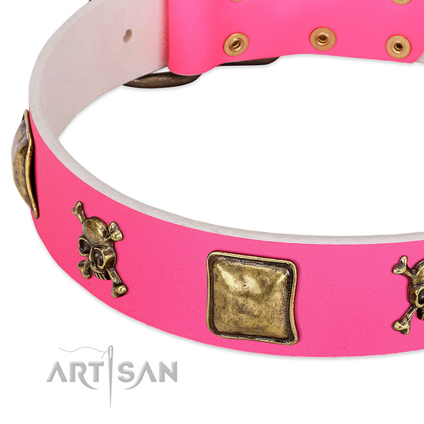 Soft leather dog collar with top notch studs