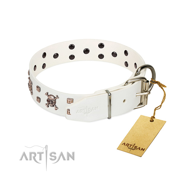 Fancy walking soft genuine leather dog collar with adornments